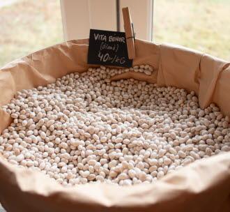På Grepstad gårdsbutik kan du köpa närproducerat och ekologiskt året runt.